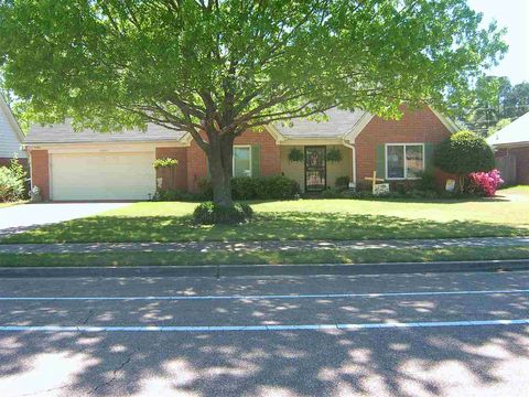 Photo of 3463 Broadway St, Bartlett, TN 38133