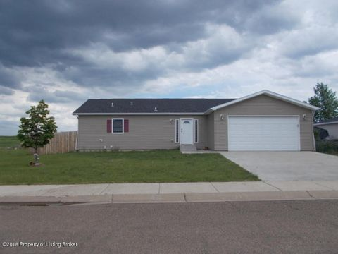 651 5th Ave Se, Dickinson, ND 58601