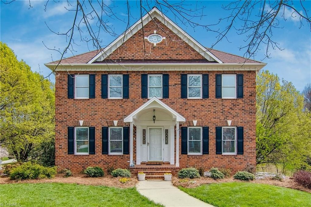3601 Comeragh Ct, Clemmons, NC 27012