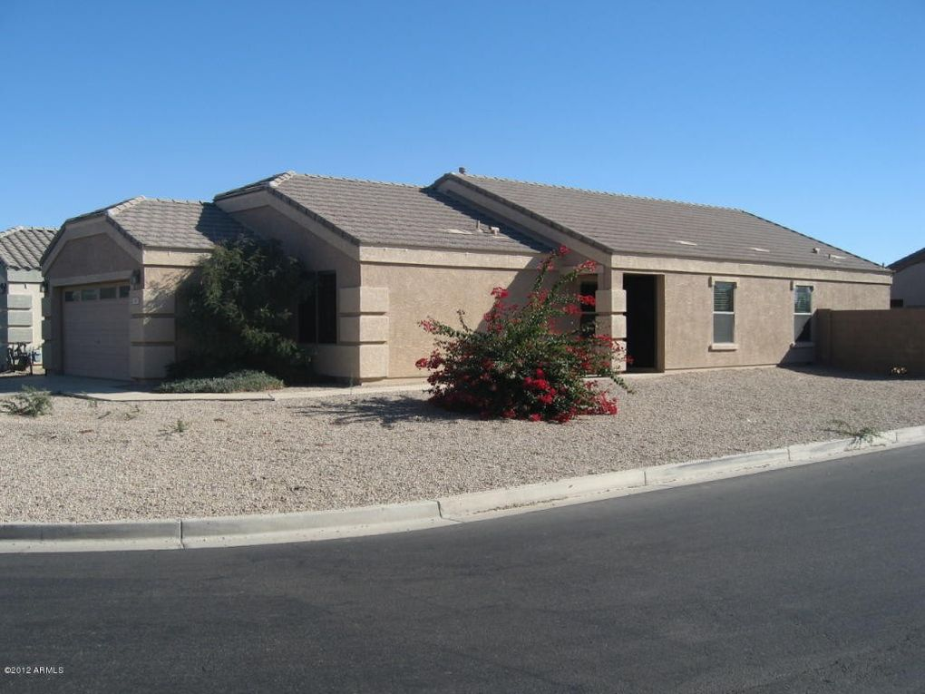 965 E Christopher St, San Tan Valley, AZ 85140