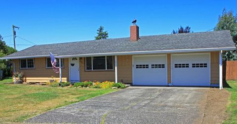 4006 Elmwood Ave, Tillamook, OR 97141