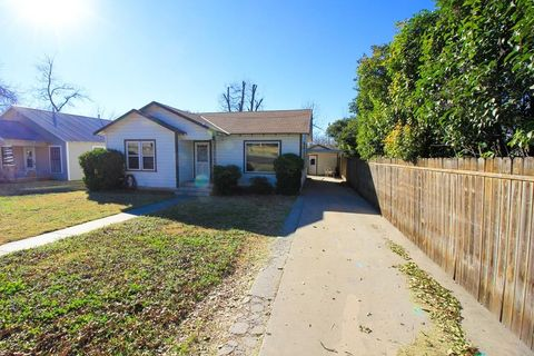 Photo of 504 Ave E, Ozona, TX 76943