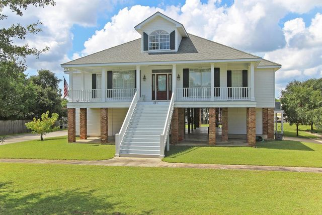 321 Garden Rd Bay Saint Louis MS Home For Sale