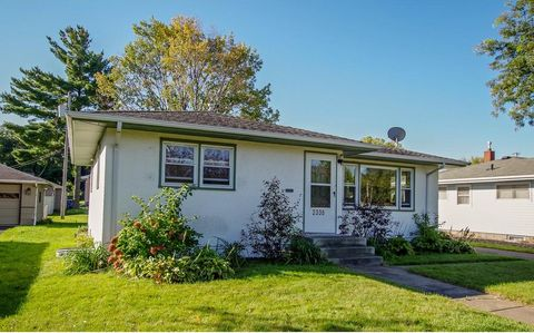 2336 17th Ave E, Maplewood, MN 55109