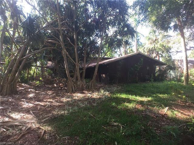 28067 Oak Ln, Bonita Springs, FL 34135