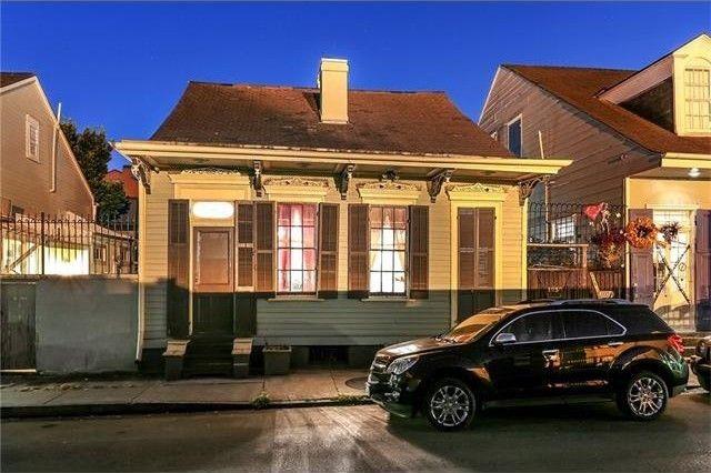 1030 burgundy st new orleans la 70116. Black Bedroom Furniture Sets. Home Design Ideas