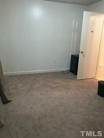 Photo of 303 Smith Level Rd Apt D13, Chapel Hill, NC 27516