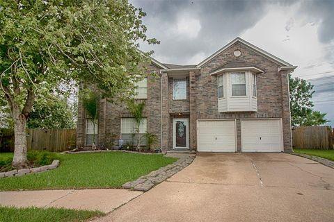 Photo of 526 Oak Briar Dr, Kemah, TX 77565