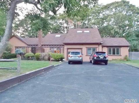 21 Woodlawn Ave, Selden, NY 11784