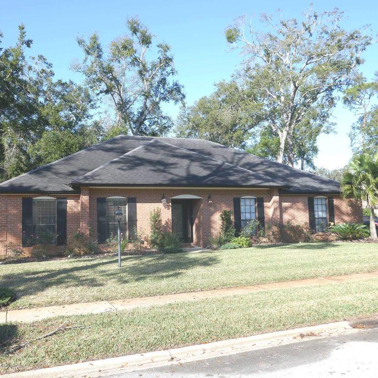 6338 Christopher Creek Rd E, Jacksonville, FL 32217