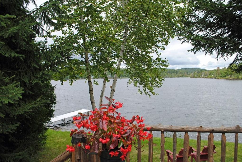 28 Moir Rd, Saranac Lake, NY 12983
