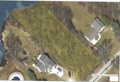 5 Ac Riverview Dr, Fall River, WI 53932