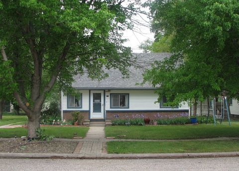 216 W Second St, Bird City, KS 67731