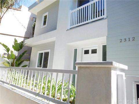 2312 N Gower St, Hollywood Hills, CA 90068