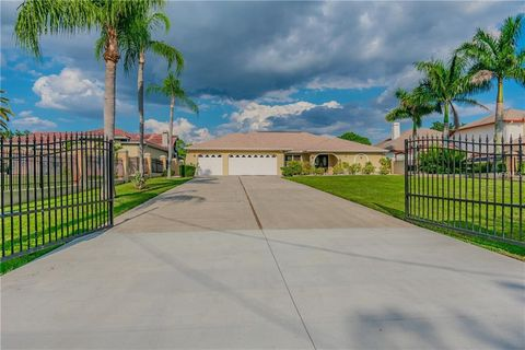 Photo of 5105 Troydale Rd, Tampa, FL 33615