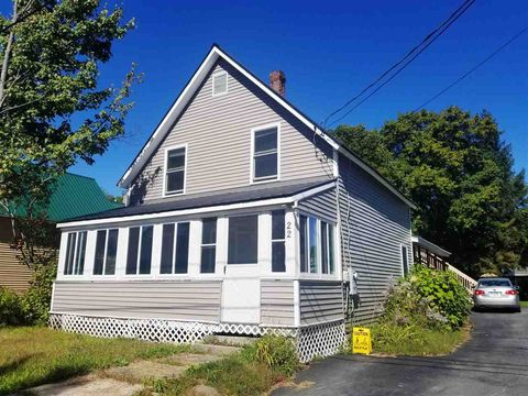 Photo of 22 Maple St Unit Upstairs, Lincoln, NH 03251
