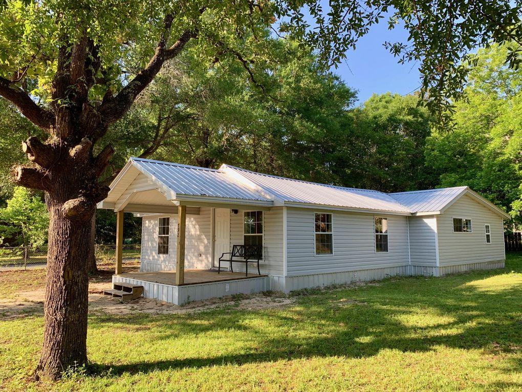 792 Amos St, Crestview, FL 32539