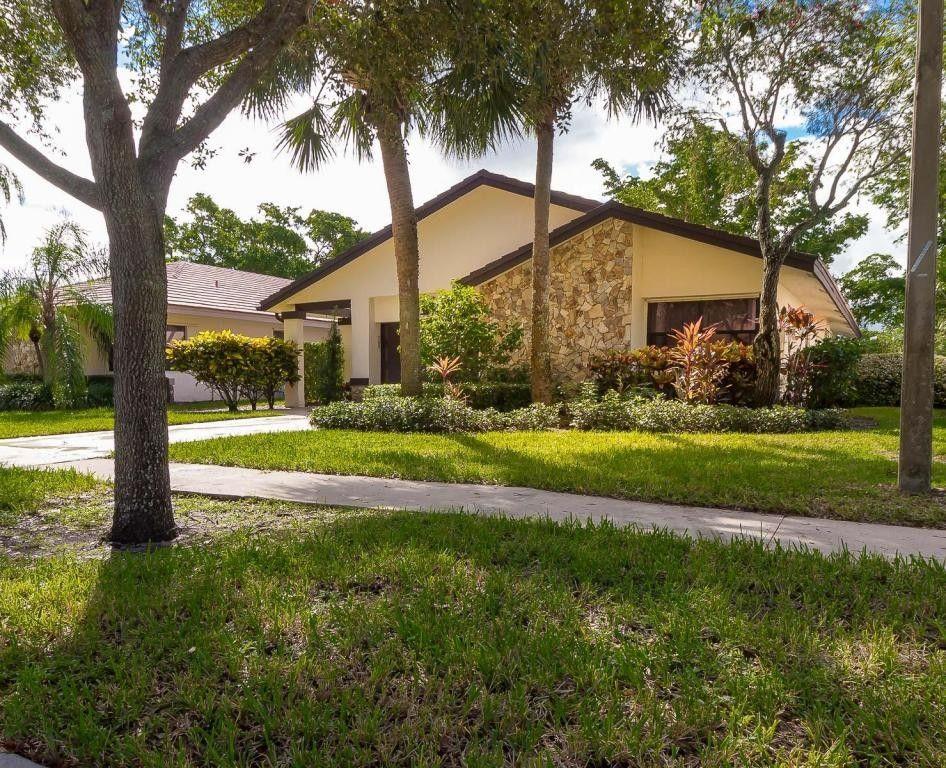 4843 Boxwood Cir, Boynton Beach, FL 33436