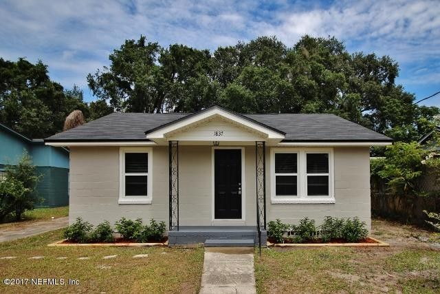 1837 Brewster Rd, Jacksonville, FL 32207