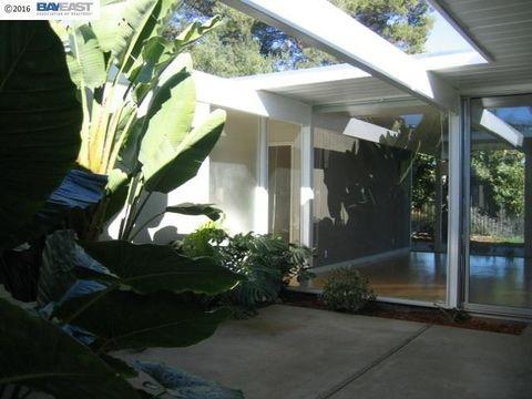 5559 Greenridge Rd, Castro Valley, CA 94552