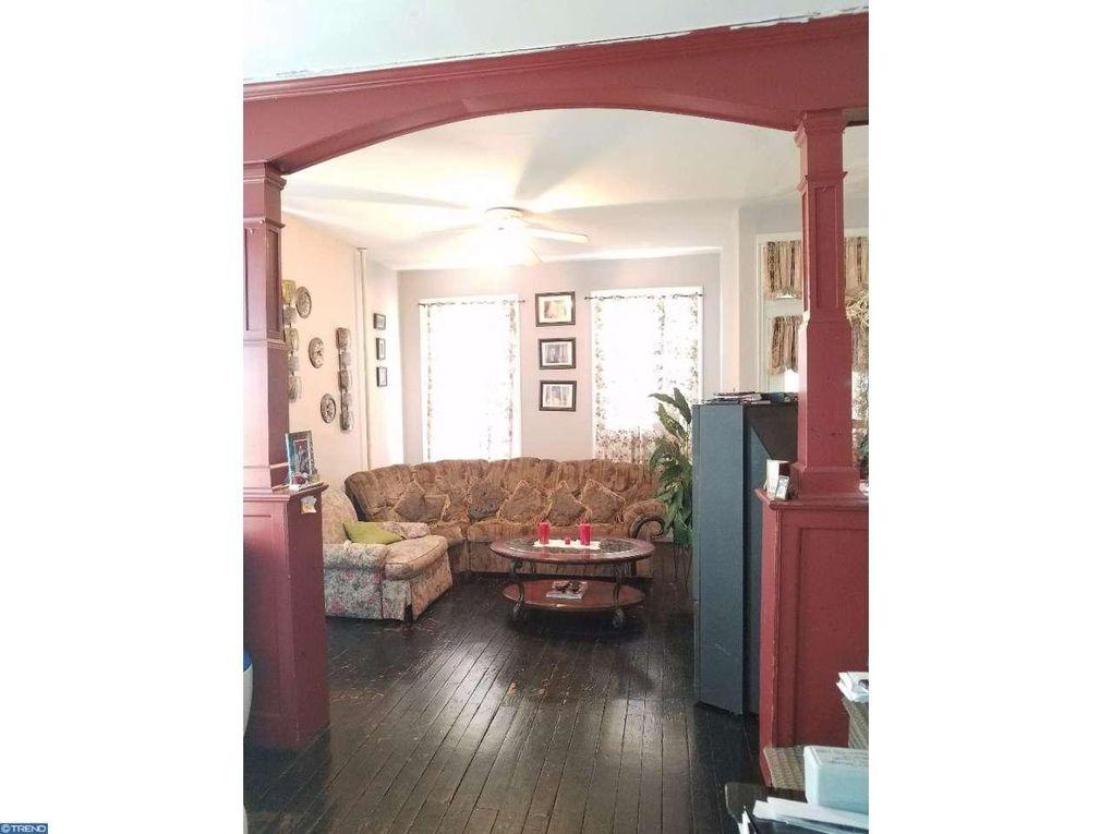 213 E Chestnut St, Norristown, PA 19401