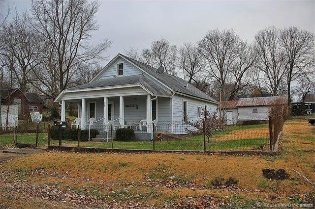 701 Hunt St, Leadwood, MO 63653