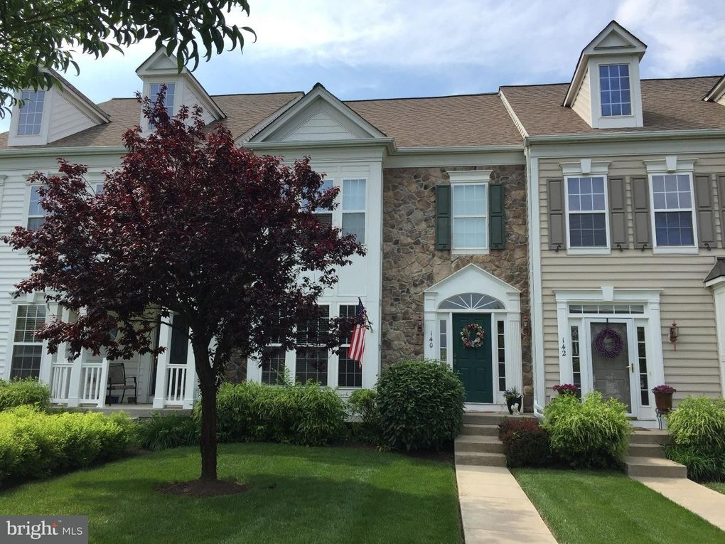 140 Pipers Inn Dr Fountainville, PA 18923