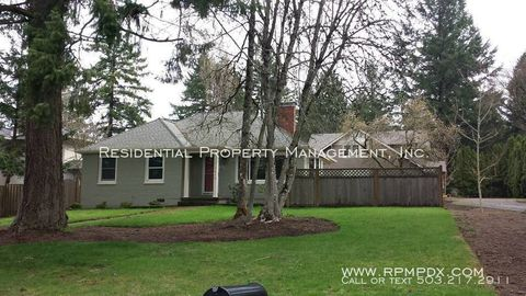 Photo of 9810 Sw 55th Ave, Portland, OR 97219