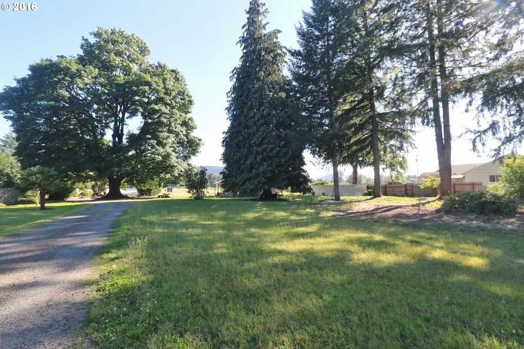 37856 M J Chase Rd, Springfield, OR 97478 - realtor.com®