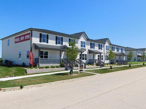 49 E Robinson Ave, Cortland, IL 60112