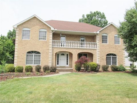 6592 Scenic Park Oval, Middleburg Heights, OH 44130