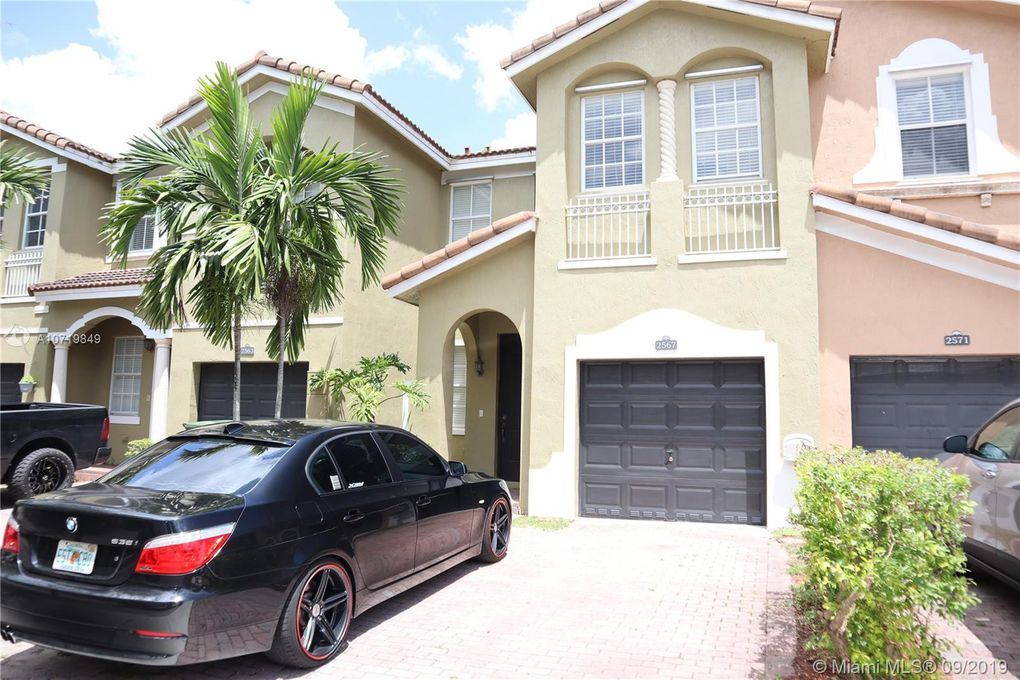 2569 SE 13th Ct Homestead, FL 33035