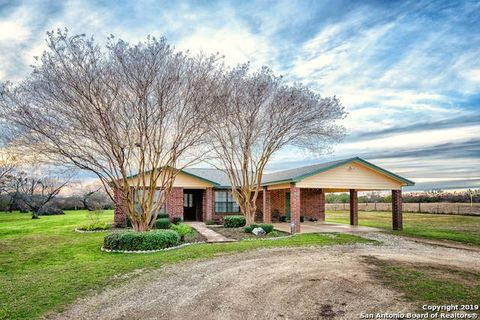 Photo of 135 Brook Meadow Dr, Lytle, TX 78052