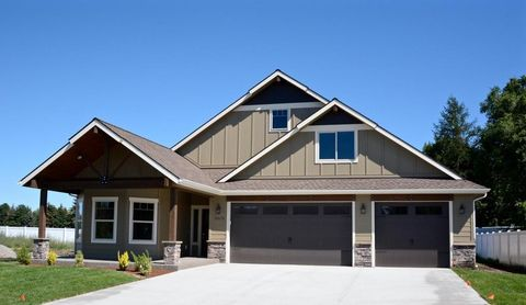 Photo of 1044 N Clarkview Pl, Hayden, ID 83835