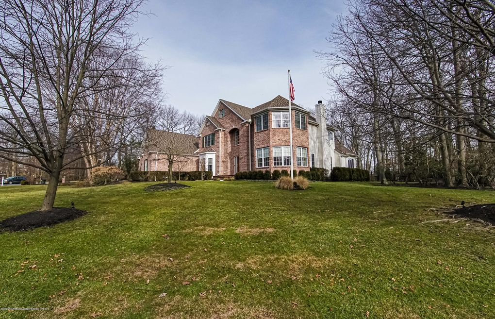 2814 Concord Dr Wall Township, NJ 07719