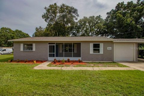 3905 Swindell Rd, Plant City, FL 33565