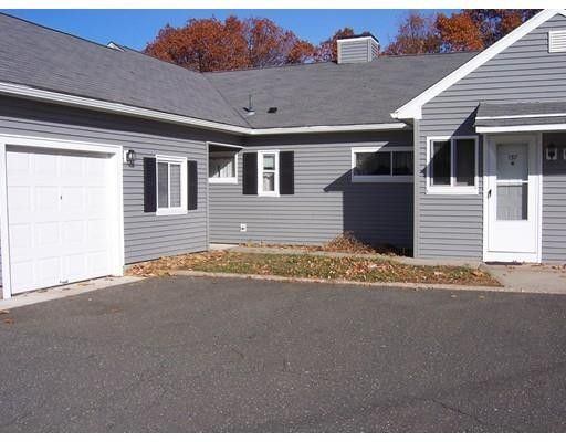 157 Horseshoe Dr, Chicopee, MA 01022