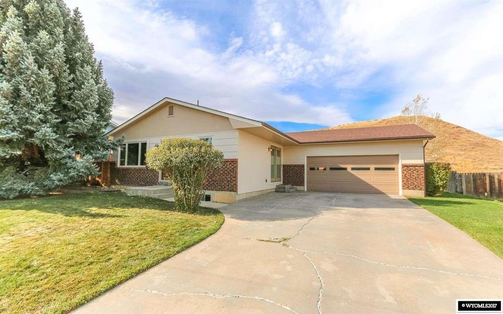 Estimated Monthly Payment - 208 Columbine Dr, Casper, WY 82604 - Realtor.com®