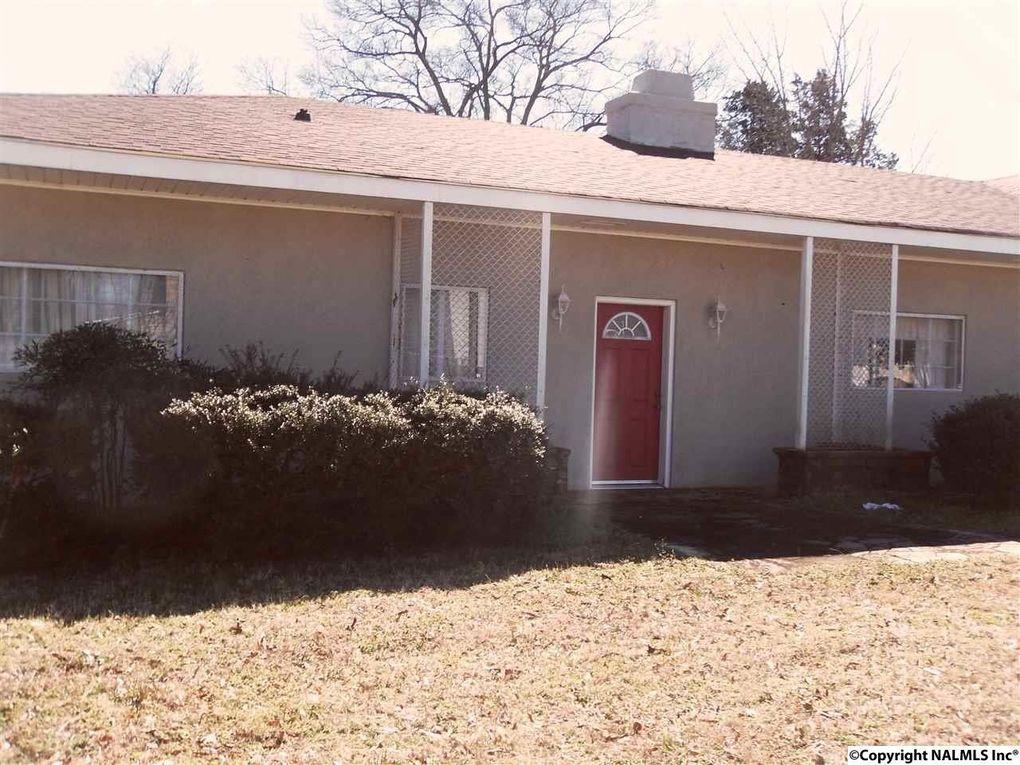 207 3rd St Sw, Decatur, AL 35601