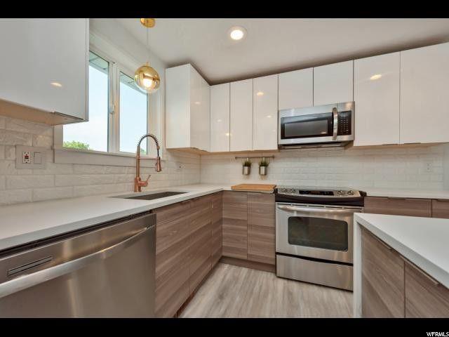 1568 E Coppercreek Rd, Sandy, UT 84093