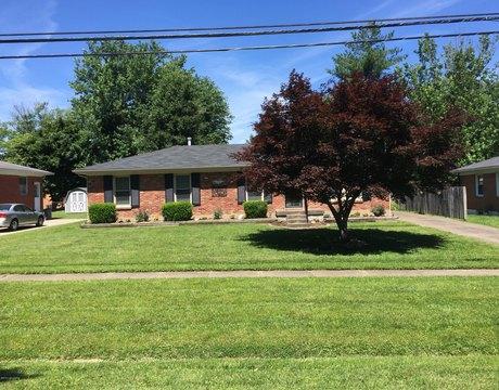 10808 Deering Rd, Louisville, KY 40272