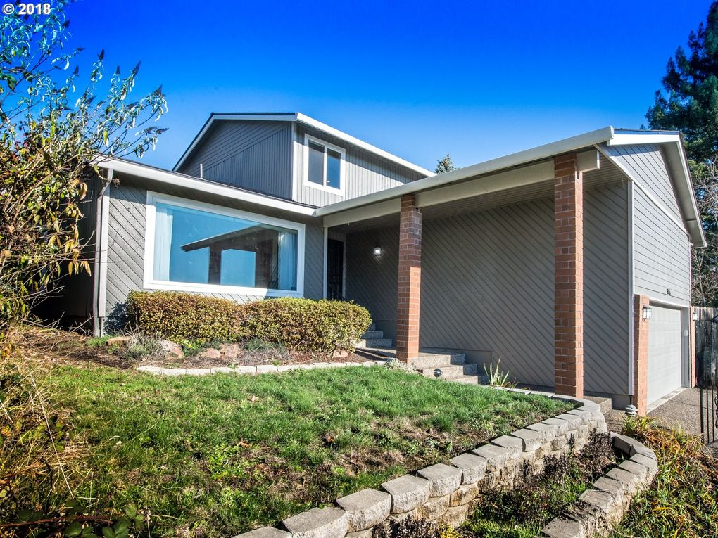 6915 Winfield Ct, Gladstone, OR 97027