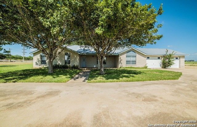 674 county road 669 devine tx 78016 home for sale