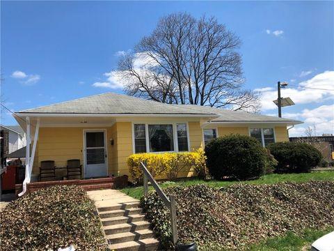 18 Seventh St, Edison, NJ 08837. House For Sale