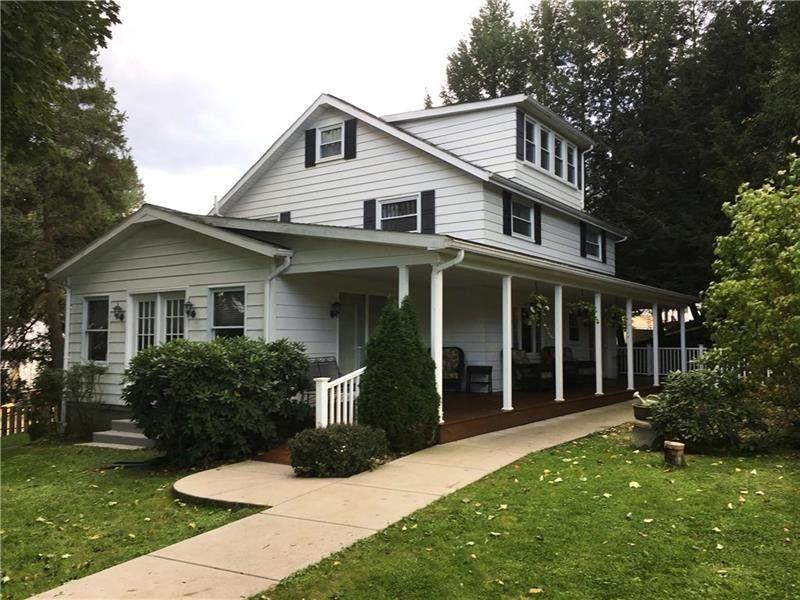 106 Penn St Adams Township, PA 16046