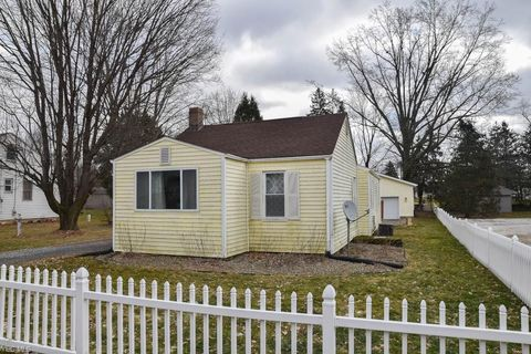 Photo of 4140 Homeland Ave, Louisville, OH 44641