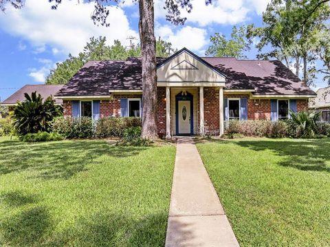 931 Millgrove Ln, Hedwig Village, TX 77024