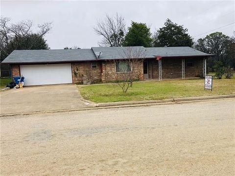 Photo of 408 W Hillcrest St, Keene, TX 76059