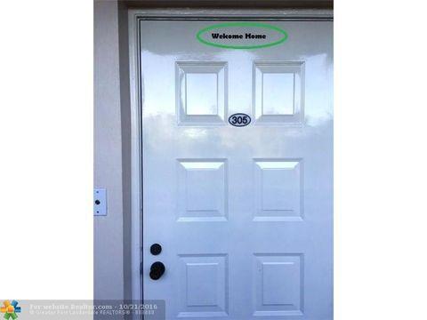 3850 Oaks Clubhouse Dr Apt 305, Pompano Beach, FL 33069