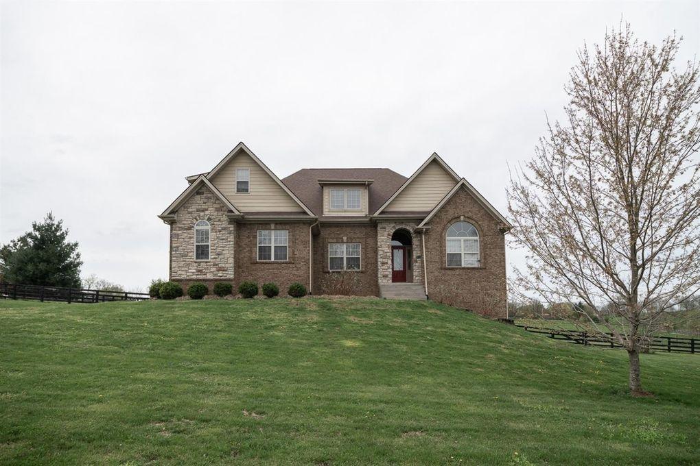 102 Old Farm Rd, Georgetown, KY 40324